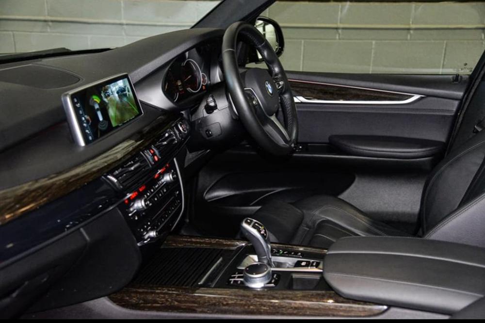 BMW X  Seat Black Website
