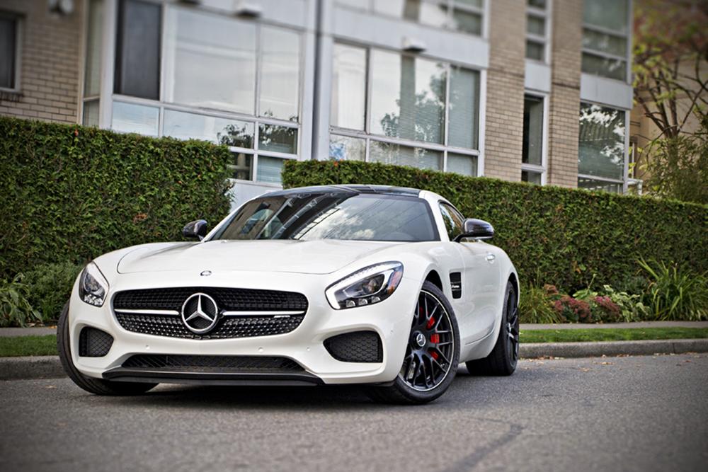 Mercedes Benz GTS AMG </br> Twin-turbocharged 4.0-liter V8