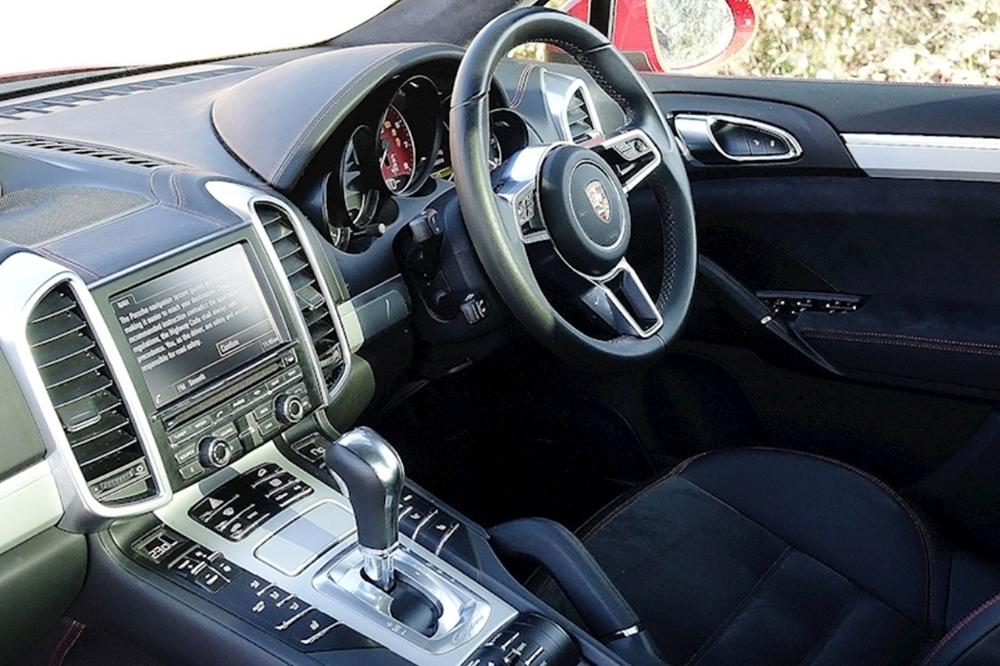Porsche Cayenne GTS Red Website
